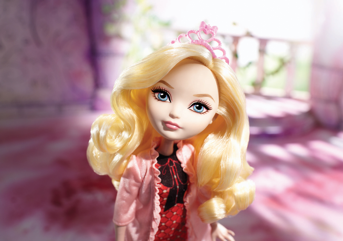 EVER AFTER HIGH™ Getting Fairest™ - Apple White™ Doll ...