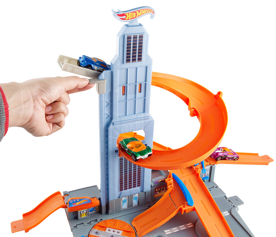 hot wheels super skyscraper spiral playset shop hot. Black Bedroom Furniture Sets. Home Design Ideas