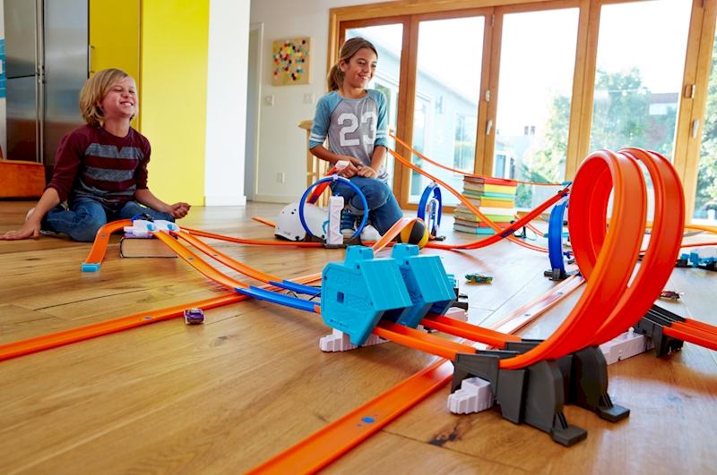 hot wheels track builder system power booster kit shop. Black Bedroom Furniture Sets. Home Design Ideas