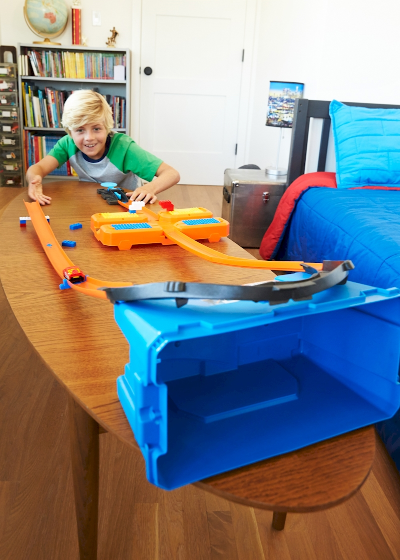 hot wheels track builder stunt box shop hot wheels cars. Black Bedroom Furniture Sets. Home Design Ideas